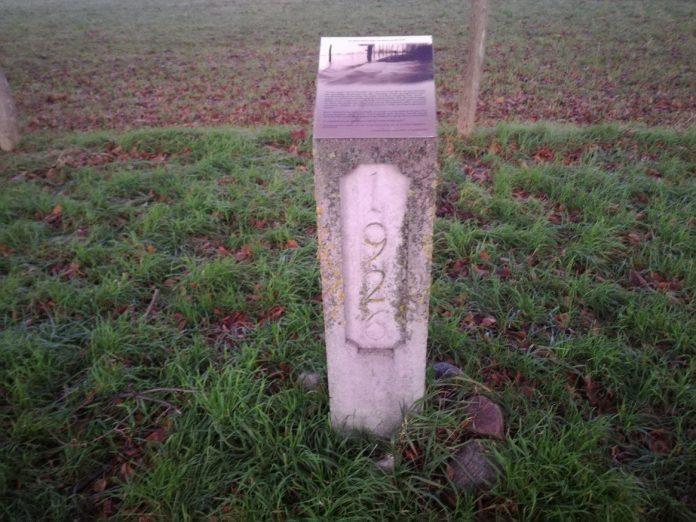 Monument overstroming Maas in Grevenbicht